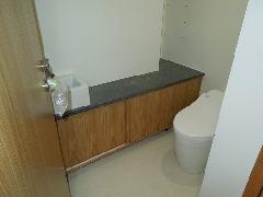 西麻布 K邸 3Fトイレ 手洗カウンター
