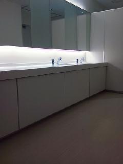 スリーボンド新研究棟 便所 洗面台