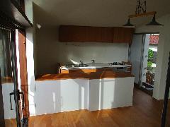 都内 X邸 キッチン吊戸棚と対面カウンター