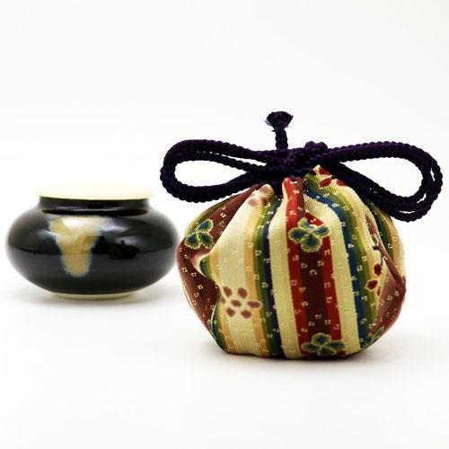 茶入 大海 龍村裂 花文暈繝錦 (うんげんにしき)