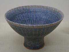 線釉抜呉須鉢