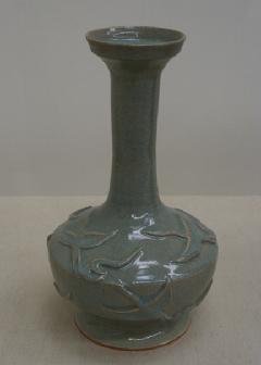青磁鳥文花瓶