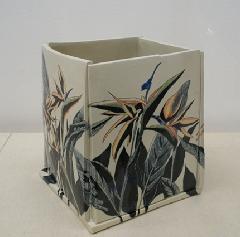 極楽鳥花角花筒