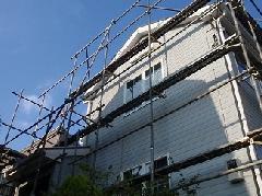 神奈川県横浜市での2階建て戸建住宅の足場工事