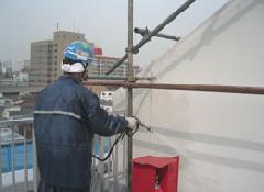 店舗謙住宅の外壁塗装や鉄部塗装になります。�A