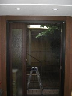 東京都杉並区 玄関網戸設置工事