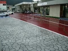ステンシルコンクリート 車展示場