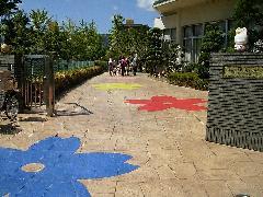 幼稚園エントランス スタンプ+オリジナルスプレーコンクリート工事