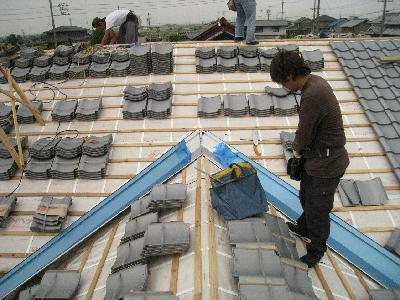屋根瓦の葺き方1
