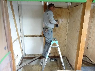 構造用合板で補強
