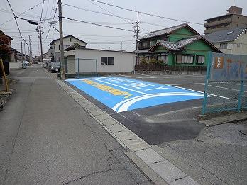 駐車場乗入部舗装打ち替えとカラー塗装 大垣市
