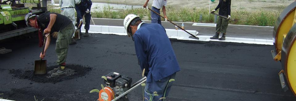 駐車場舗装、アスファルト舗装のことなら舗装工事のプロにお任せください!