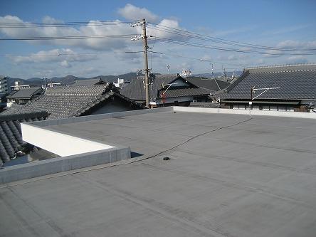 シャープ太陽光発電システム(陸屋根工事)