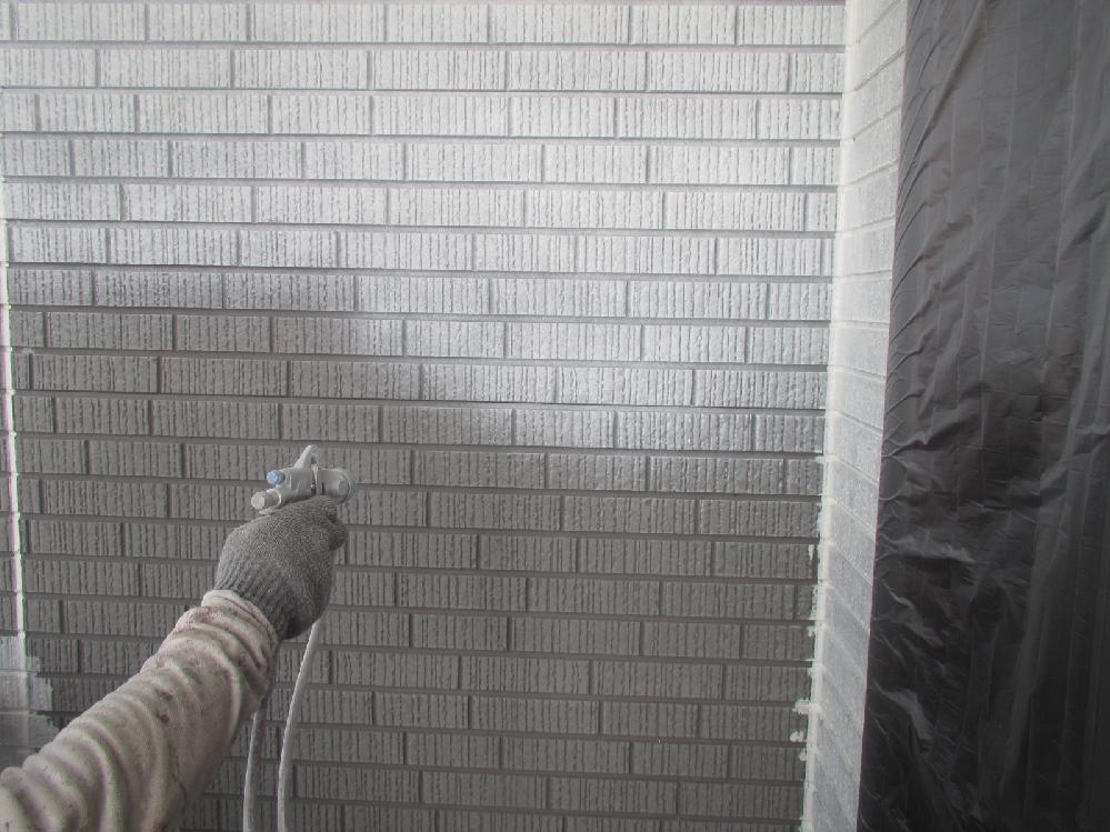 外壁吹付け工事