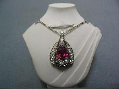 ≪M≫PT950ルビーダイヤ取り巻きペンダント『ビルマの貴婦人』