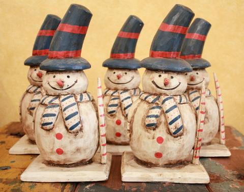 木製置物 雪だるま 青い帽子
