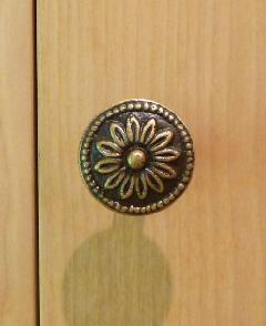 真鍮 フラワーブラック磨き仕上げつまみ/STN054BL