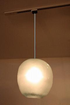 ガラス・ペンダントランプシェード(吊り下げ照明)乳白色 小 引掛けシーリングソケットコード付き