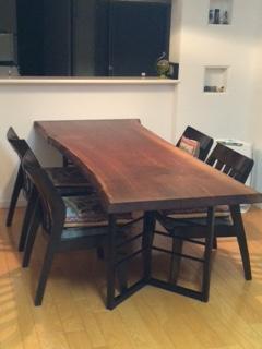 無垢一枚板ウォールナットダイニングテーブル