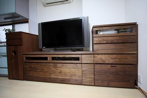 ウオールナット材一体型TVボード