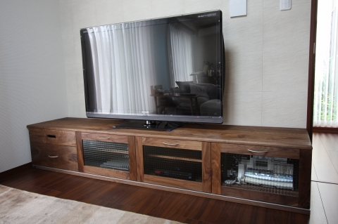 ウオールナット材TVボード