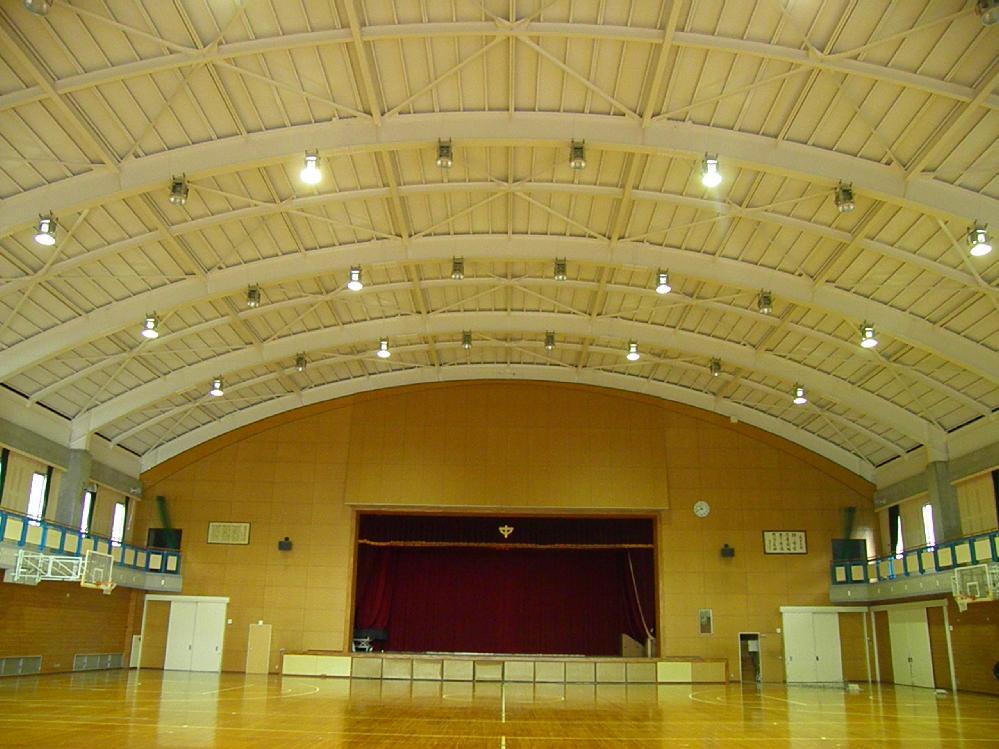 体育館天井塗装工事