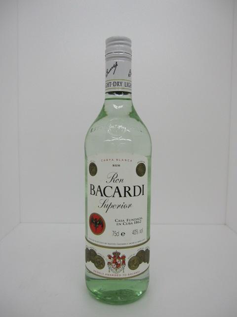 バカルディー ラム ホワイト 40度 750ml