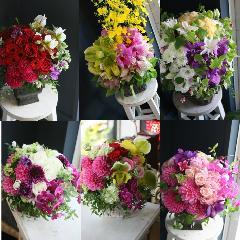 季節の花を使ったお任せアレンジメント10500送料無料