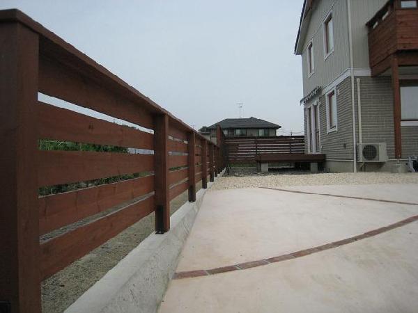 スウェーデンハウス「ウッドフェンス」完成です!