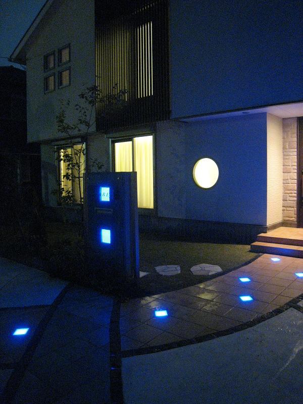 幻想的な光「カクテルブロック&タイルドライト」