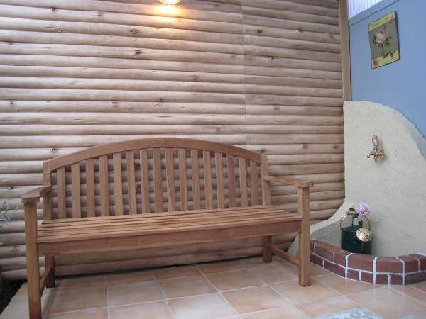 木製の白い扉
