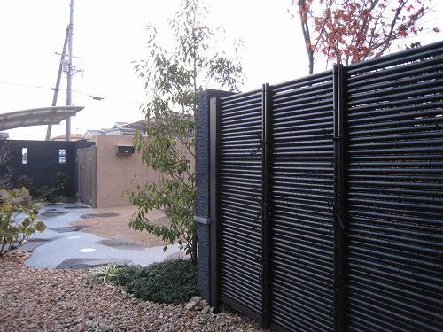 人工黒竹を使った御簾垣に囲まれた「和」のスペース