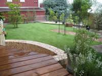 足湯のある癒しのお庭