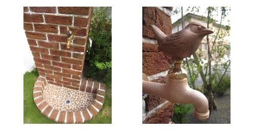 モザイクタイル貼りの排水部分とアニマル蛇口
