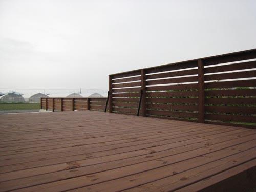 ウッドフェンスの全体風景