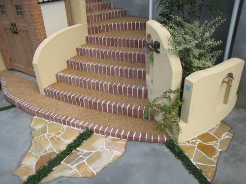 エントランス階段周りの機能性とデザイン性