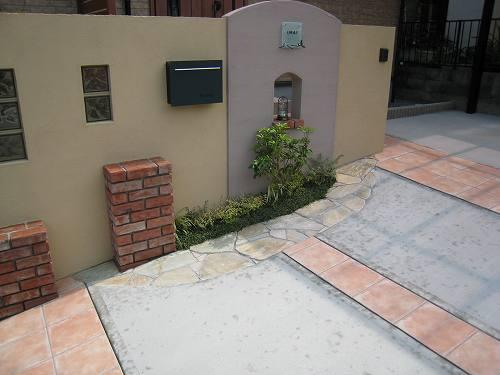 2つの色のデザイン門柱