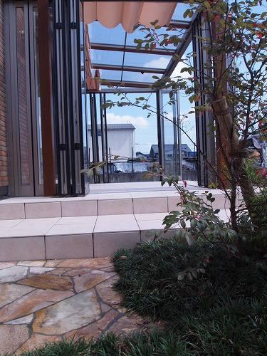 ガーデンルームジーマの入口