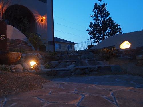2つの洞窟の灯り