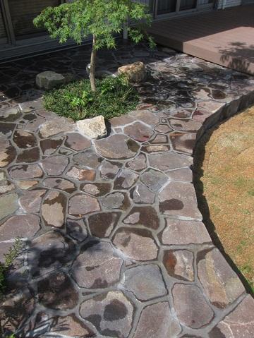 石貼り仕様のガーデンテラス