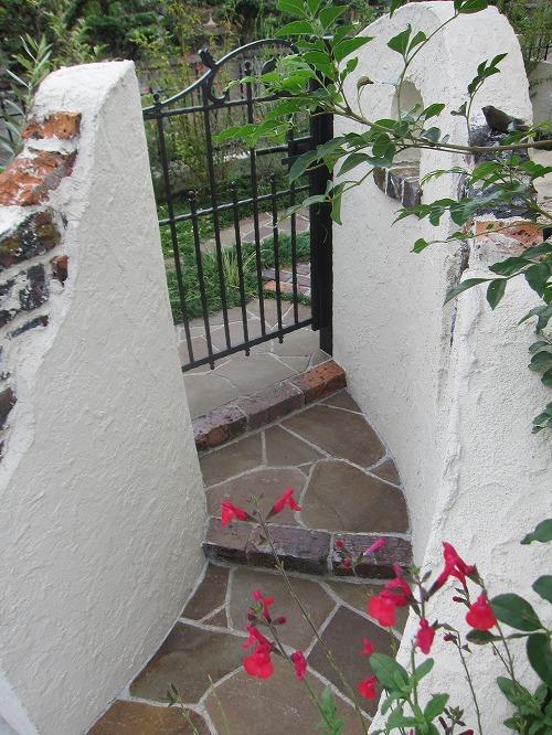 勝手口(お庭への入口)