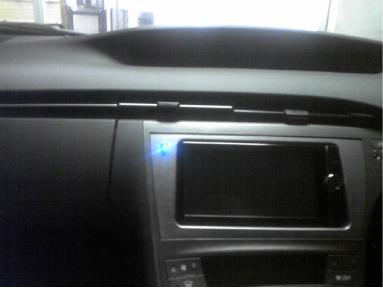 プリウス(ZVW30)にカーセキュリティVIPERの取り付け例