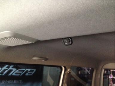 新型ハイエースにドライブレコーダー連動セキュリティの取り付け例