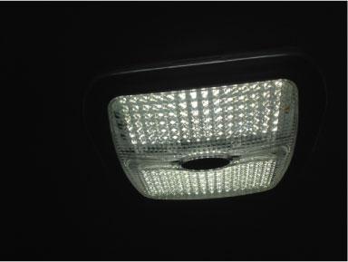 カムロードにLED照明取り付け例