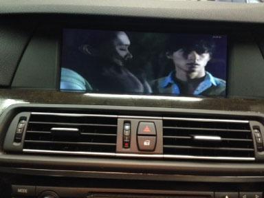 BMW530(F10)の地デジチューナー取り付け例