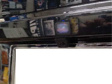 BMW120i(F20)の地デジとバックカメラ取り付け例