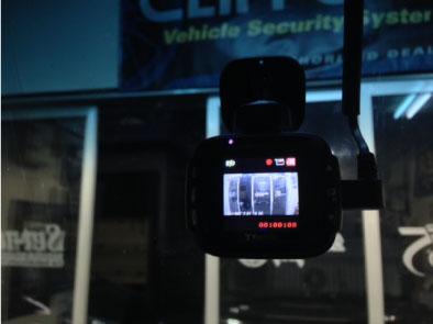 タントカスタムのセキュリティ連動ドライブレコーダー取り付け例
