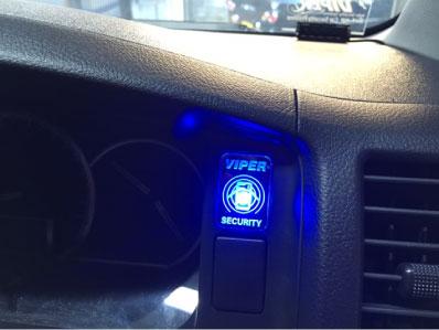ハイエースのVIPER5906V取り付け例