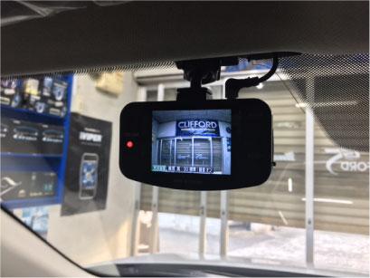 CX-3のドライブレコーダー取り付け例