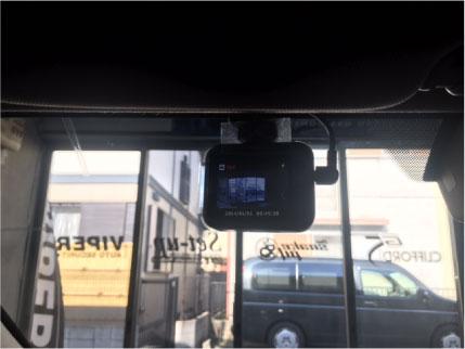 レヴォーグのドライブレコーダー取り付け例
